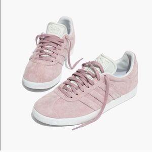 Worn Once Adidas Gazelle Sneakers in Suede - Pink